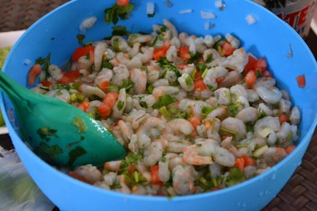 Shrimp ceviche marination (marinando el ceviche de camarón)